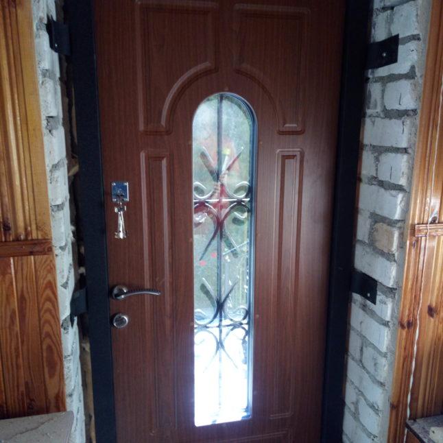 Пример работы по металлическим дверям